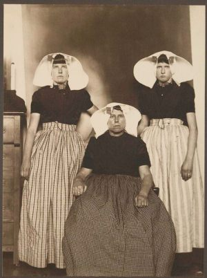Three-Dutch-women